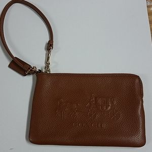 Coach wristlet nwot brn leather 4x6 horse carriage